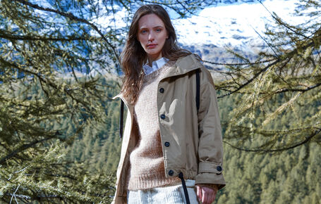 woman-catalog-fw21