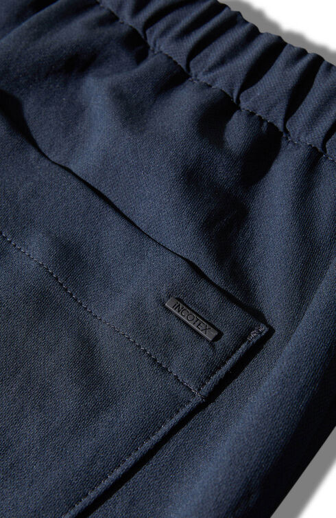 Slim fit Bermuda shorts in Techdry technical fabric , Urban Traveler | Slowear