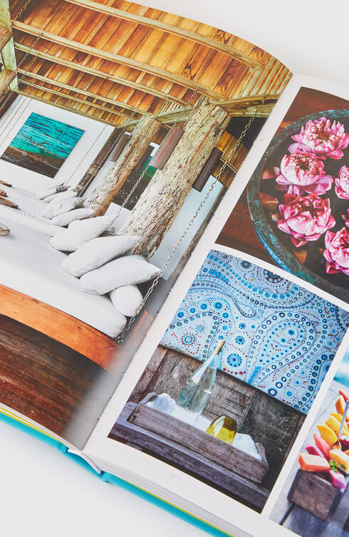 Chic Stays: Conde Nast Traveller's Favorite People on Their Favorite Places  , Assouline | Slowear