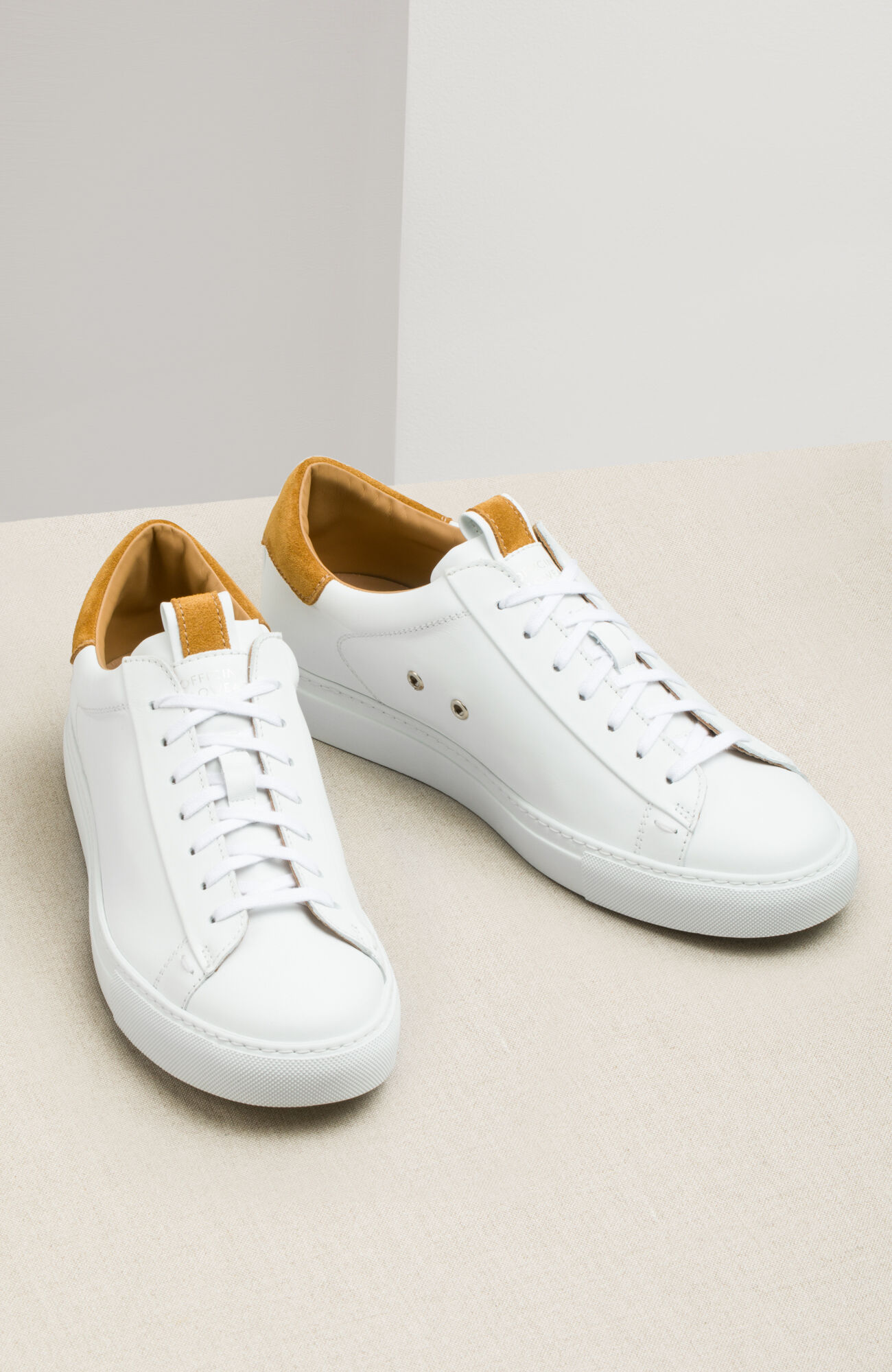 Weiß grüne 'Super Star' Sneakers aus Leder und Wildleder von