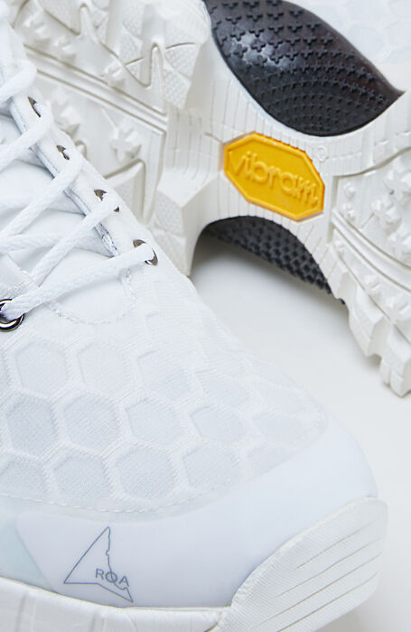 Outdoor shoes with a honeycomb structure and Vibram® sole , ROA | Slowear
